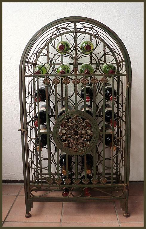 weinregal massiv antik patina 26 flaschen nostalgie 34. Black Bedroom Furniture Sets. Home Design Ideas